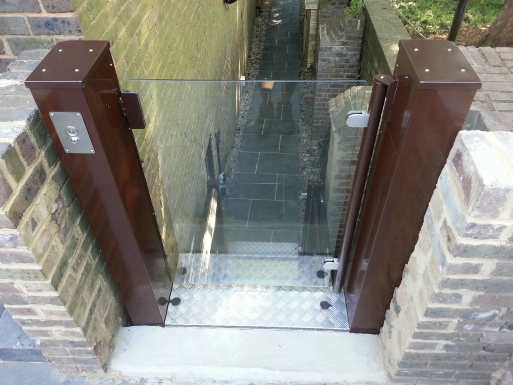 Outside Open Style Platform Lift